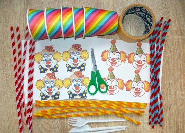 Изготовление клоуна из стаканчиков