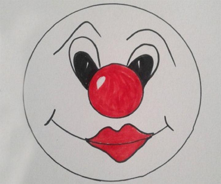 Нарисованное лицо клоуна