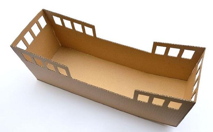 Этап изготовления картонного кораблика
