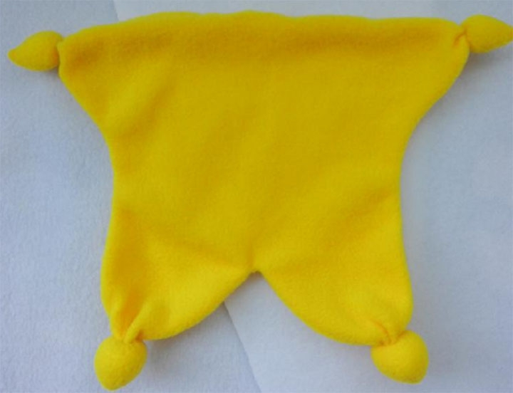 Этап пошива игрушки-солнца из ткани