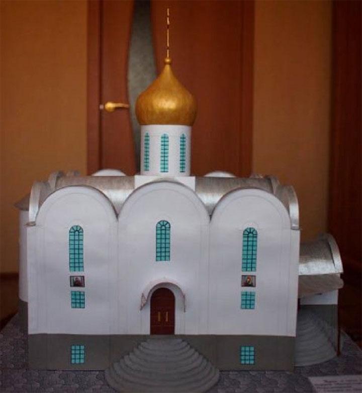 Готовая церковь из бумаги