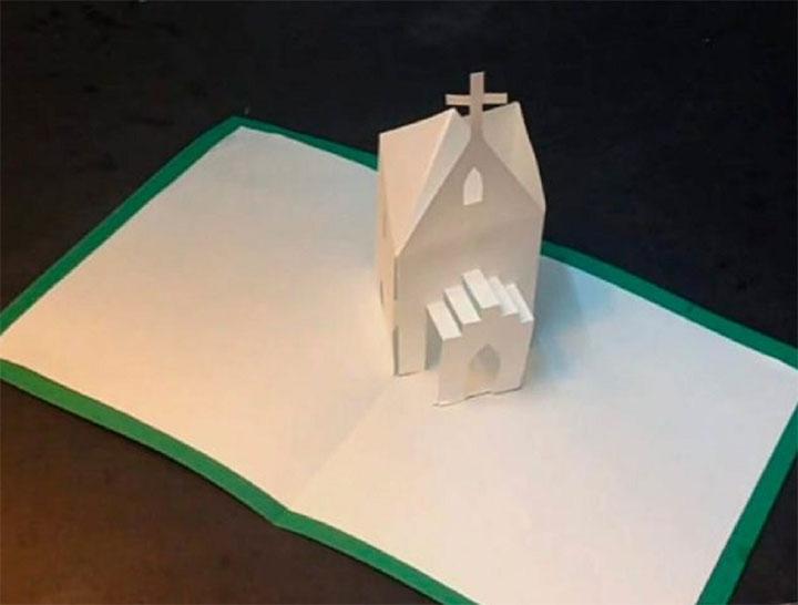 Бумажная церковь в технике киригами