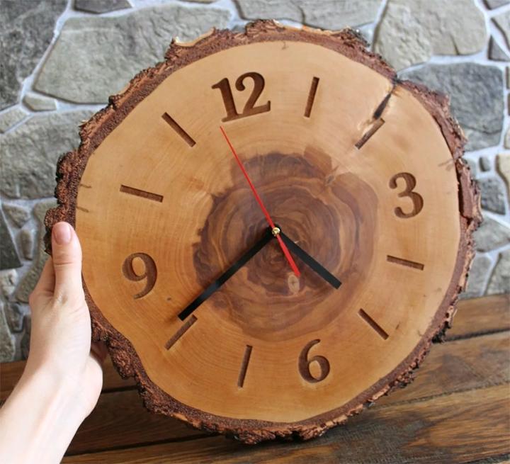 Часы из спила