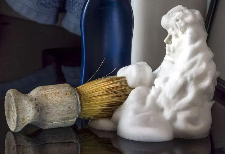 Работа с пеной для бритья