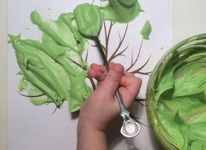 Изготовление поделки из пены для бритья