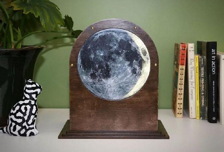 Поделка луна